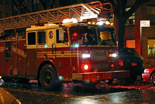 Reportan tres incendios en NYC en medio de tormenta
