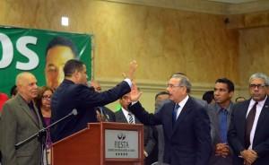 Trajano Santana proclama a Danilo Medina.