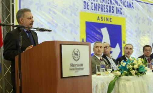 """Empresarios dominicanos se quejan por impuestos; piden haya """"más equidad"""""""