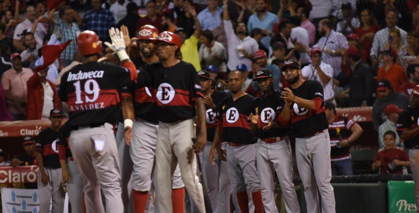 Leones derrotan Licey en la final beisbol profesional