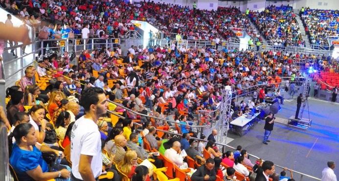 SANTIAGO:  Evangélicos ruegan a Dios por una mejor República Dominicana