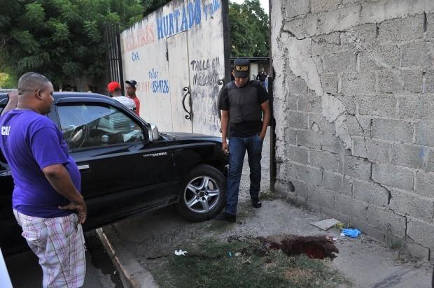 Matan hombre a tiros próximo a parada del Metro en Villa Mella