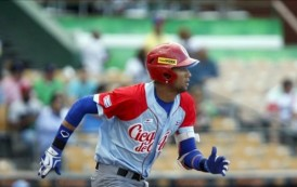"""Cuba critica a peloteros desertores por entregarse a """"mercaderes"""" del béisbol"""