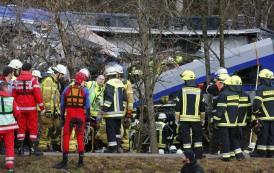 ALEMANIA: Al menos ocho muertos y 150 heridos tras un choque de trenes