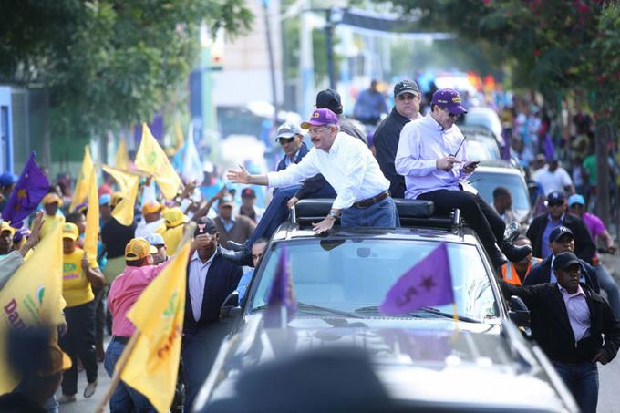 El presidente Danilo Medina recorre el Sur profundo en inicio de su campaña