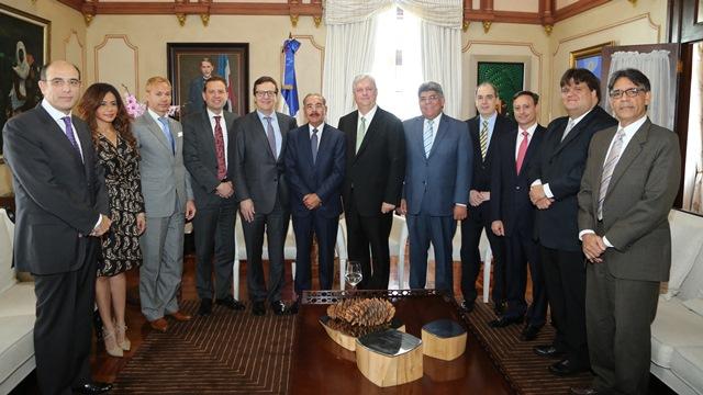 Corporación internacional compra 50% acciones de empresa La Tabacalera