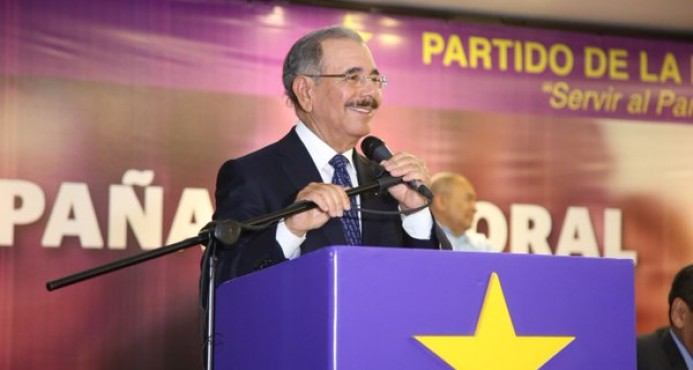 Danilo anuncia los que dirigirán campaña, Leonel será asesor