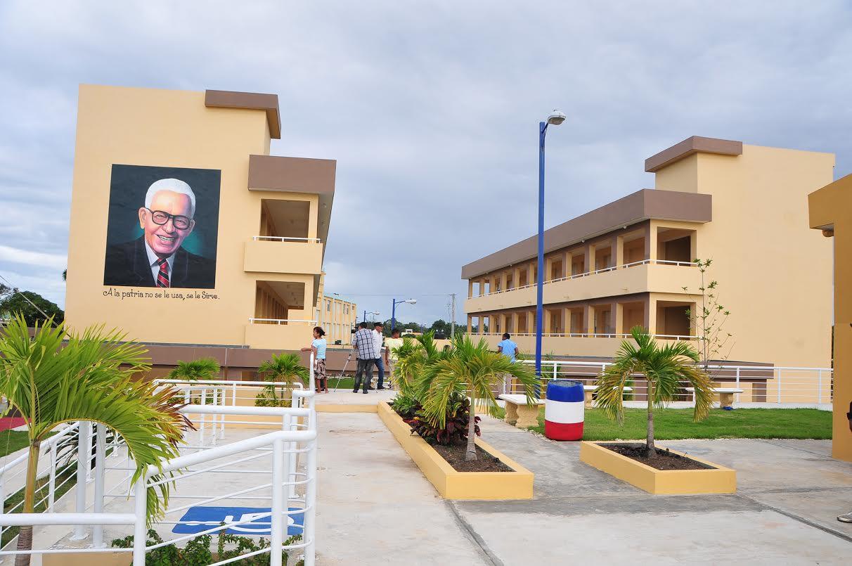 "840 estudiantes de Los Alcarrizos entran a ""jornada extendida"""