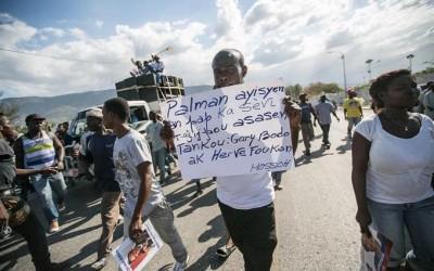 La oposición volvió a las calles en rechazo a la forma en que se concretó el acuerdo que procura zanjar el vacío de poder en el país.