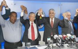 Héctor Guzmán retorna al PRD junto grupo deserta PRM