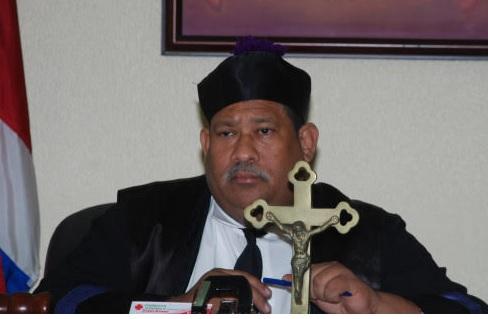 Sigue juicio a periodistas acusados de difamación por un sacerdote
