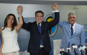 Neney Cabrera se reintegra al PRD