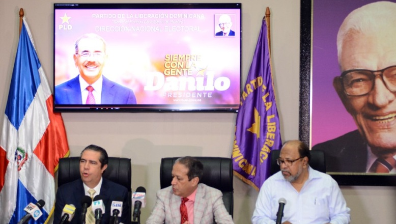 PLD confirma renuncia asesor de Medina perseguido por corrupción