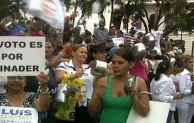 Amas de casa del PRM protestan con calderos vacíos