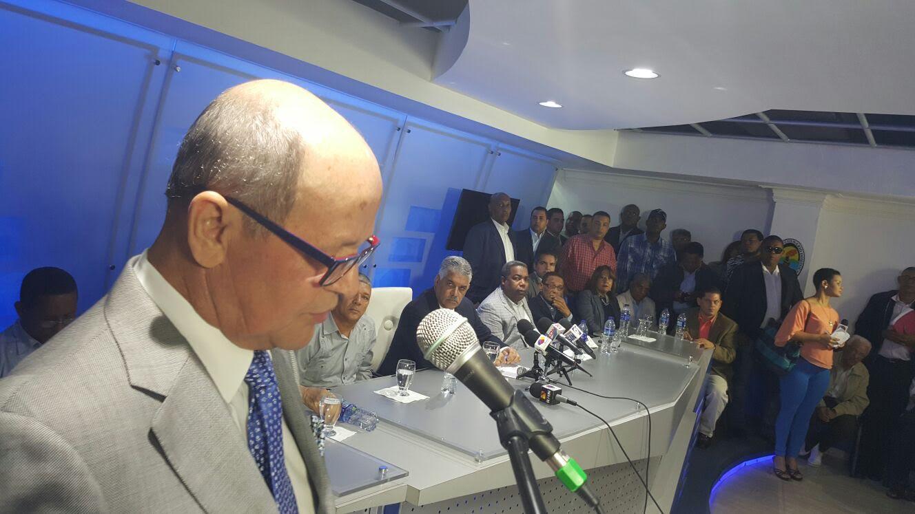 Senador Félix Vásquez dejó el PRSC y fue juramentado en el PRD