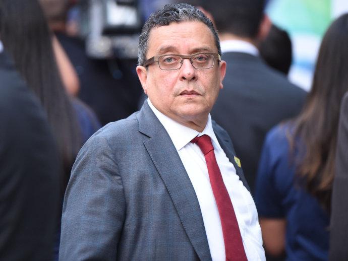 BRASIL: Se entrega asesor de campañas vinculado a escándalo