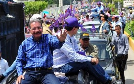 Danilo inició hoy su campaña con caravanas en la región Suroeste
