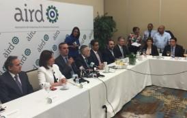Abinader acusa Danilo utilizar el Palacio como comando de campaña