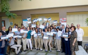 Docentes y estudiantes reciben certificación en Microsoft Technology Associate