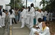 Médicos RD paralizaron todos los hospitales; miles afectados