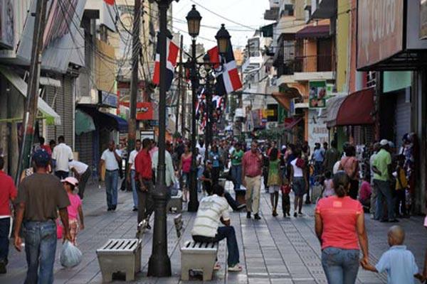 """61.5% población percibe economía República Dominicana  """"no va bien"""""""