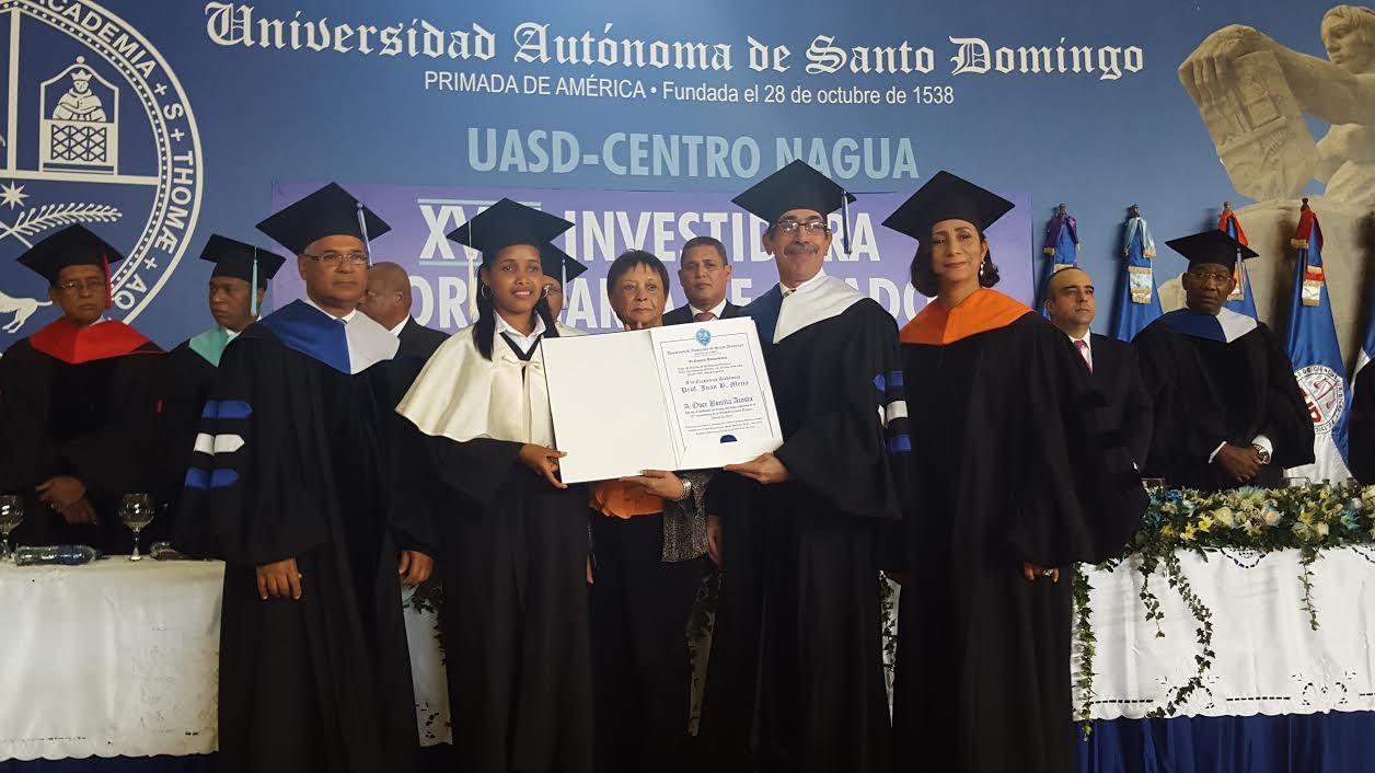NAGUA: UASD gradúa 111 nuevos profesionales