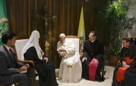 Papa Francisco y patriarca ruso Kiril inician histórica reunión en Cuba