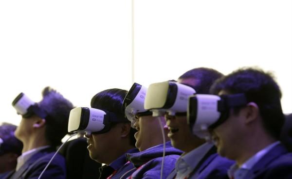 Los teléfonos móviles se rinden ante la realidad virtual en Congreso Mundial del Móvil