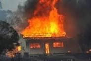 Fuego redujo a cenizas diez viviendas en Santiago