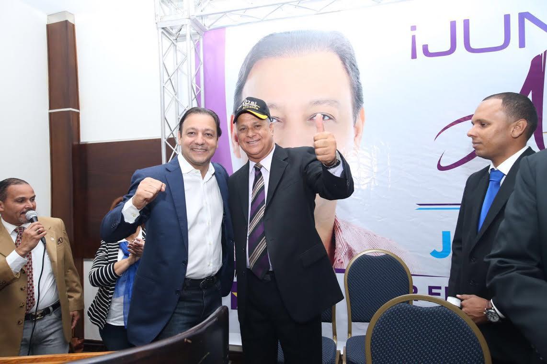 Ex precandidato alcalde del PRD anuncia su apoyo Abel Martínez