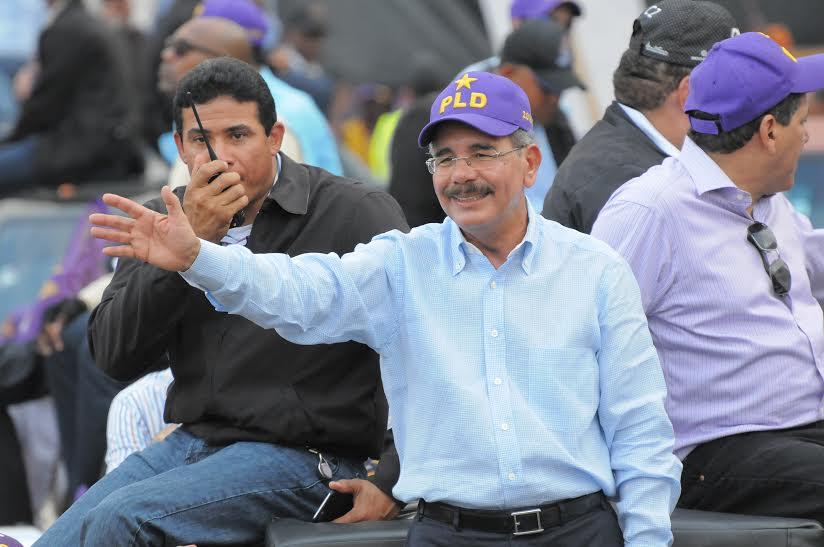 A partir de hoy Danilo tambiénhará campaña política en días laborables
