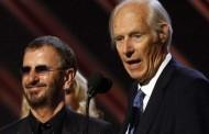 Muere George Martin, el 'quinto Beatle' y productor de la banda, a los 90 años