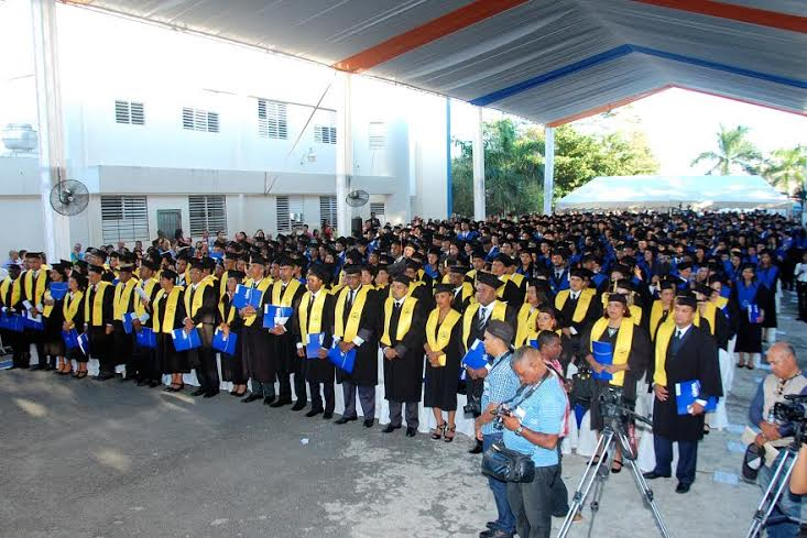 NAGUA: UAPA entrega a la sociedad 637 profesionales