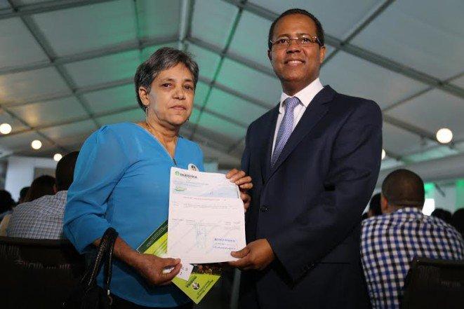 Entregan 74 millones de pesos a 273 docentes jubilados