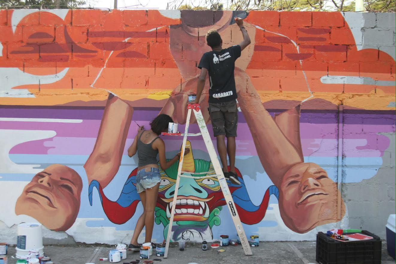 LA VEGA: Muralistas despliegan su arte por la ciudad