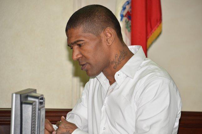Tres meses de prisión preventiva a Omega por violencia contra una ex
