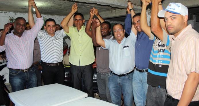 Renuncian dirigentes del PRM en Villa González