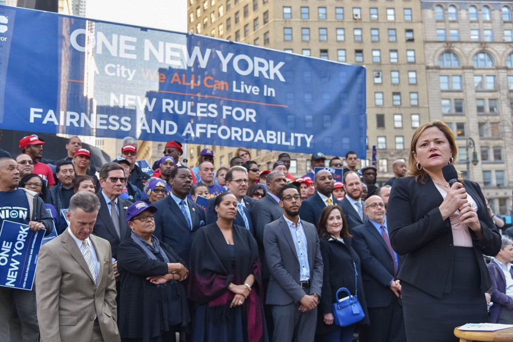 Festejan plan vivienda asequible en Manhattan