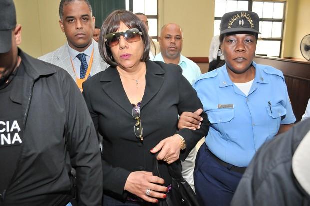 Ordenan juicio contra mujer estafó Ministerio Educación con $47 MM