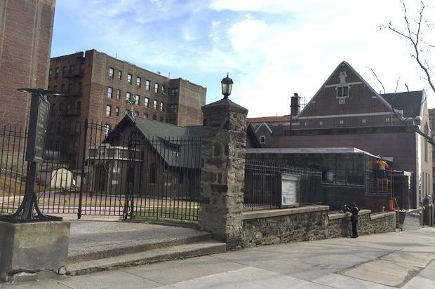 NUEVA YORK: Dominicano lanza bomba a templo Alto Manhattan