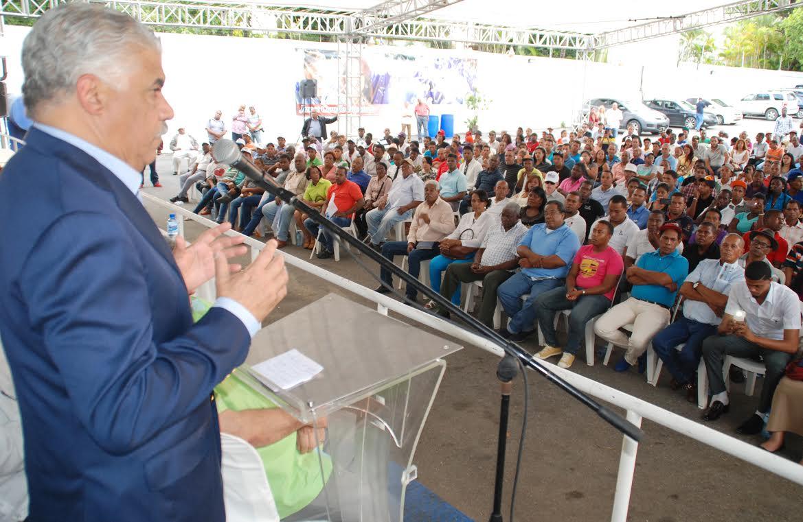 """Vargas insiste Abinader """"solo hace denuncias sin fundamento"""""""
