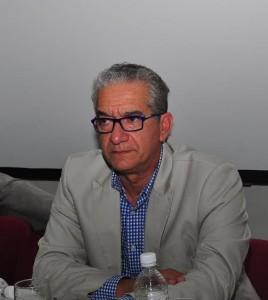 Dr Julio Camarena.