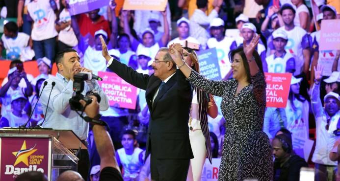 """Danilo Medina presenta en Santiago el proyecto """"República Digital"""""""