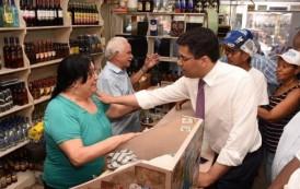 Alcalde Collado asegura que no cerrará el mercado de Las Pulgas