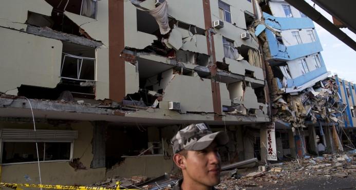 Gobierno enviará equipo de rescate Ecuador; dominicano entre muertos
