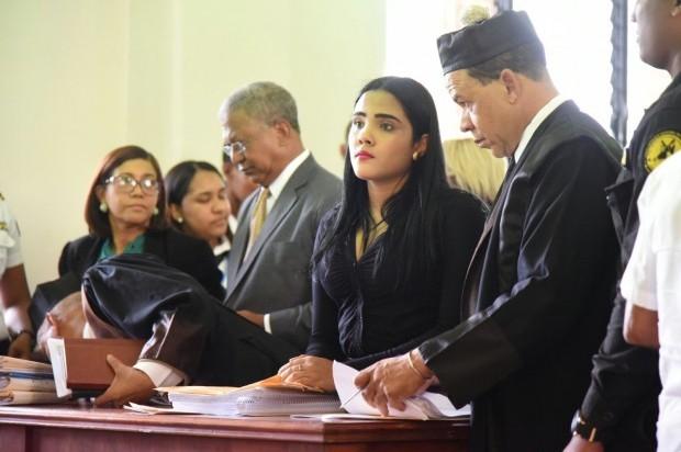 SANTIAGO: Juez se reserva fallo de solicitud de Martha Heredia