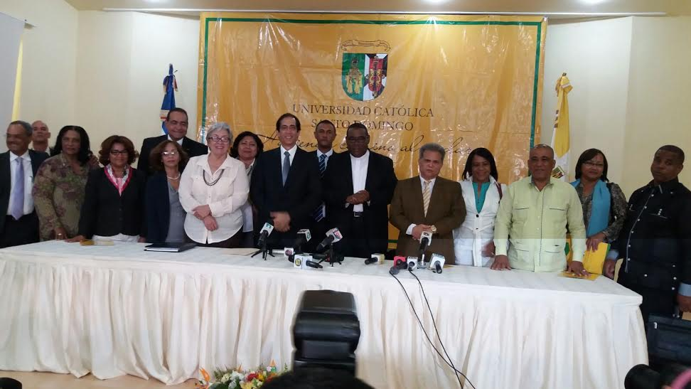 Gobierno RD acepta analizar pedidos que hacen los gremios de la salud