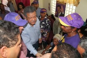 El ex presidente Leonel Fernández realizó varias visitas en Nagua.