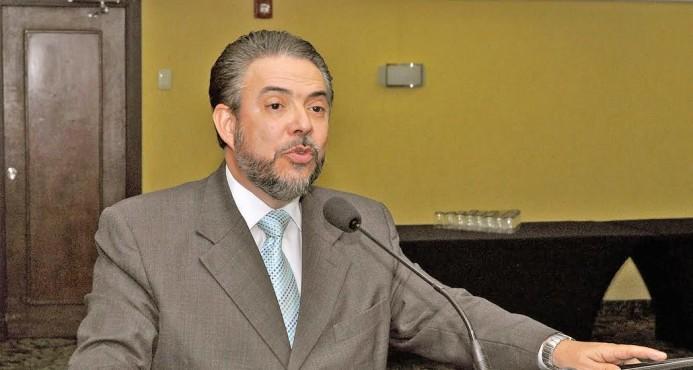 Moreno cree necesario aumentar presupuesto educación superior
