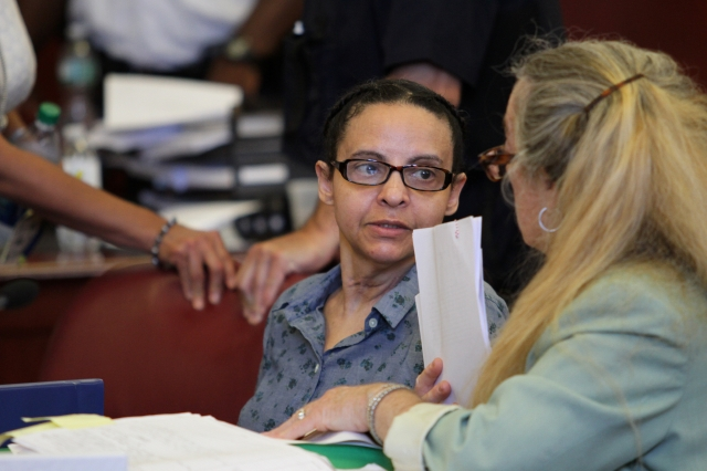 Dominicana acusada de matar hermanos rechaza oferta juez